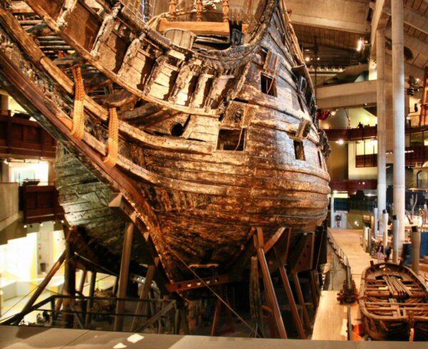 Detalle del gran galeón del siglo XVII en el museo Vasa de Estocolmo