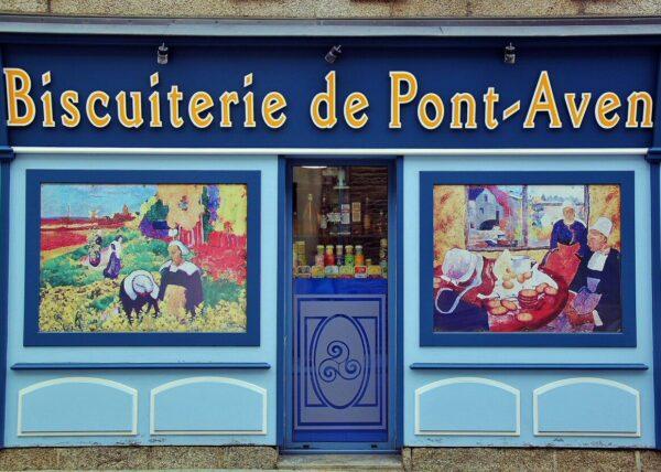 Tienda de gastronomía bretona en Pont Aven en Bretaña