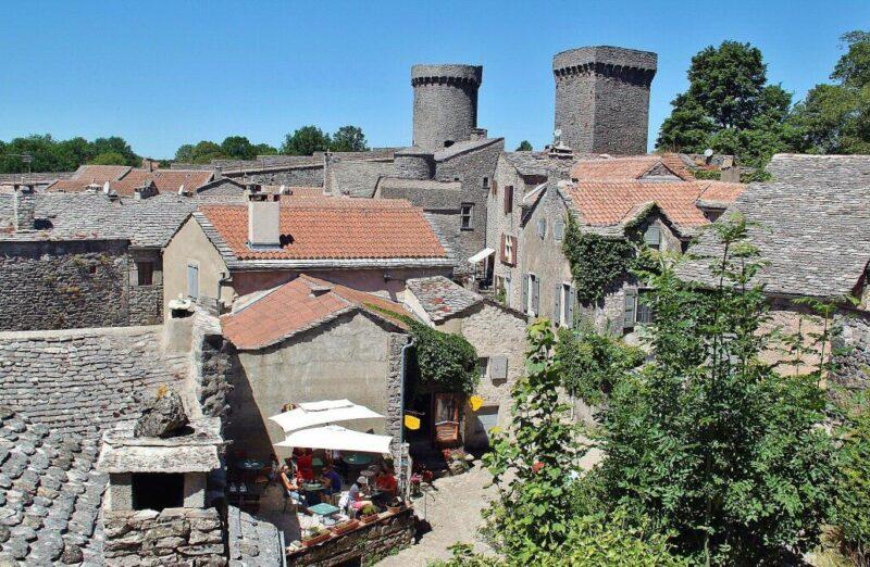Pueblo templario La Couvertoirade al sur de Francia
