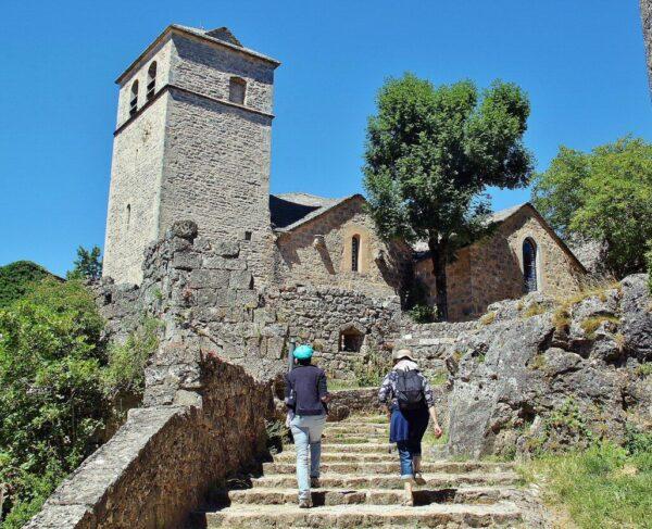 Iglesia de Sant Christophe en La Couvertoirade en Francia