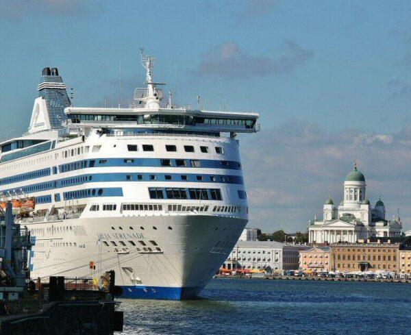 Puerto de Helsinki en Finlandia