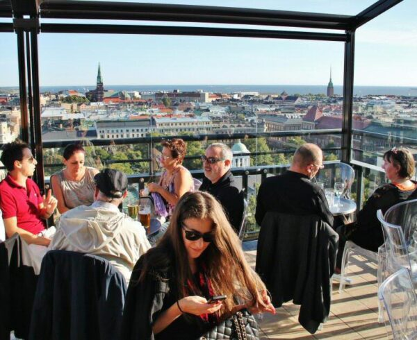 Terraza mirador del Hotel Tori en Helsinki
