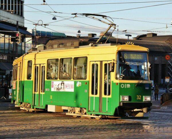 Tranvia en el centro de Helsinki