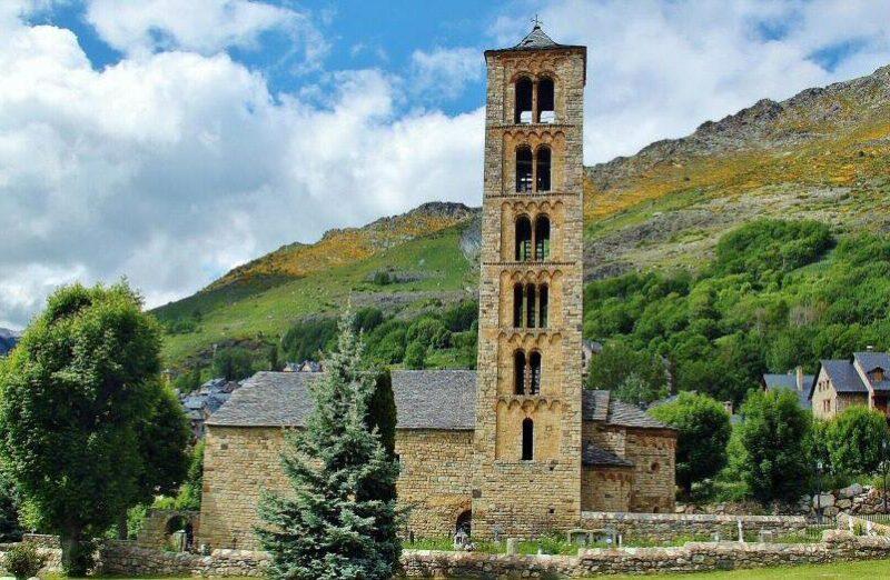 Sant Climent de Taüll en Valle de Boí en los Pirineos de Cataluña