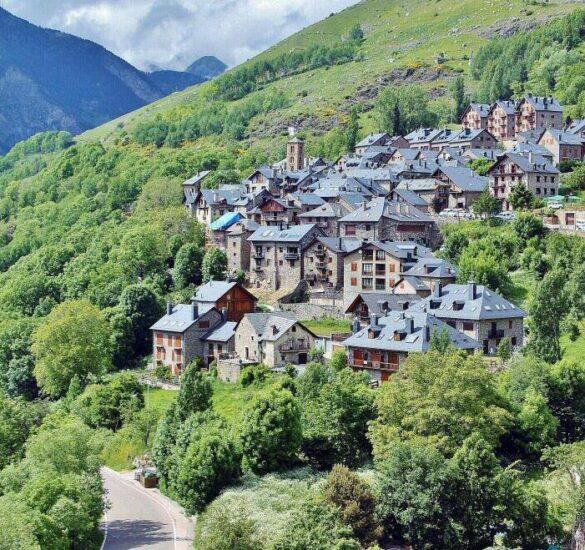 Vistas de Taüll desde el campanario de San Climent en Valle de Boí