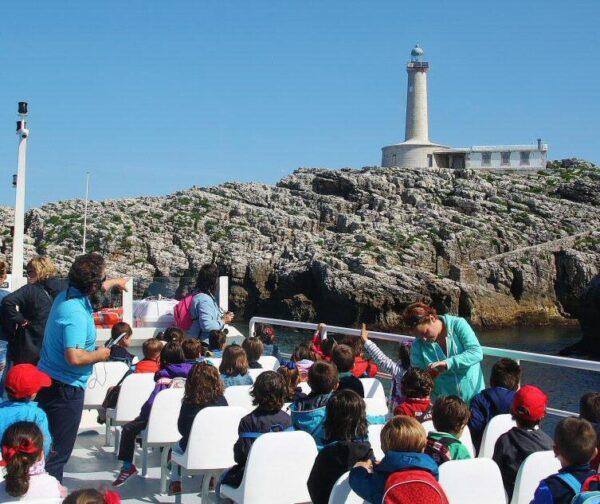 Isla de Mouro en el crucero por la Bahía de Santander