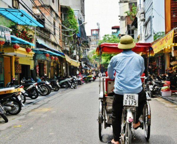 Tuk tuk en Hanoi en Vietnam