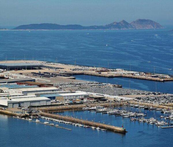 Vista panorámica de las islas Cíes desde Vigo