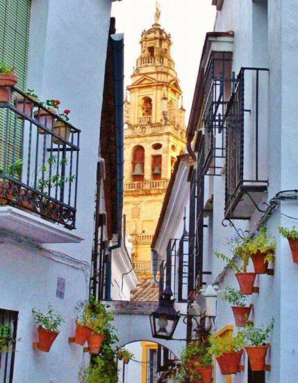 Callejón de las Flores en la Judería de Córdoba