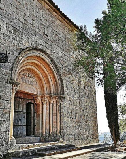 Iglesia románica en Siurana en el Priorat de Tarragona