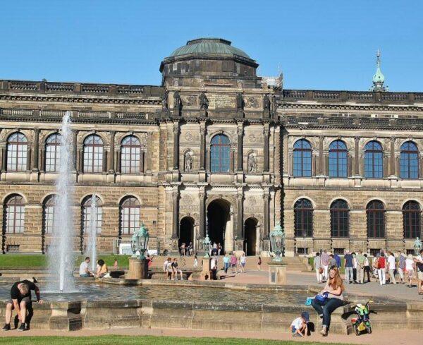 Zwinger en el centro histórico de Dresde