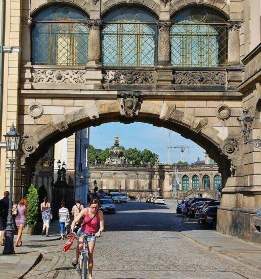 Puente en el Palacio Real de Dresde