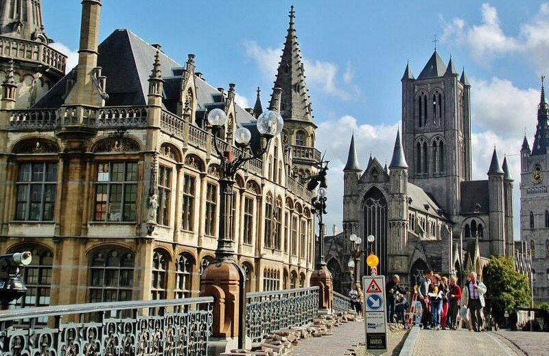 Panorámica desde el puente de San Miguel en Gante en Bélgica
