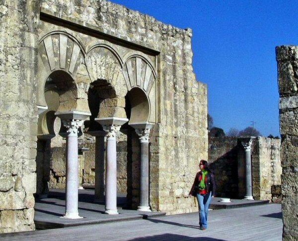 Restos arqueológicos de Medina Azahara cerca Córdoba