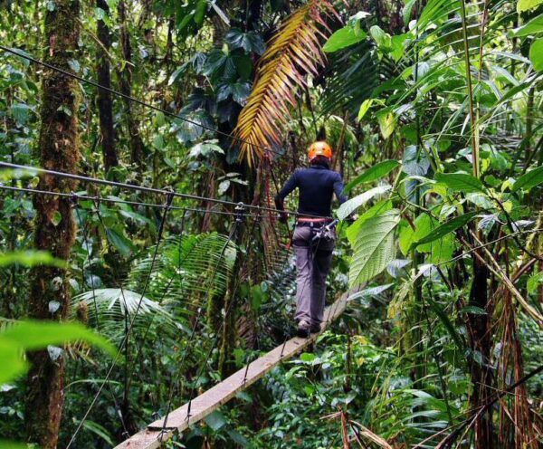 Actividades de aventura en la reserva Inti Llacta cerca de Quito
