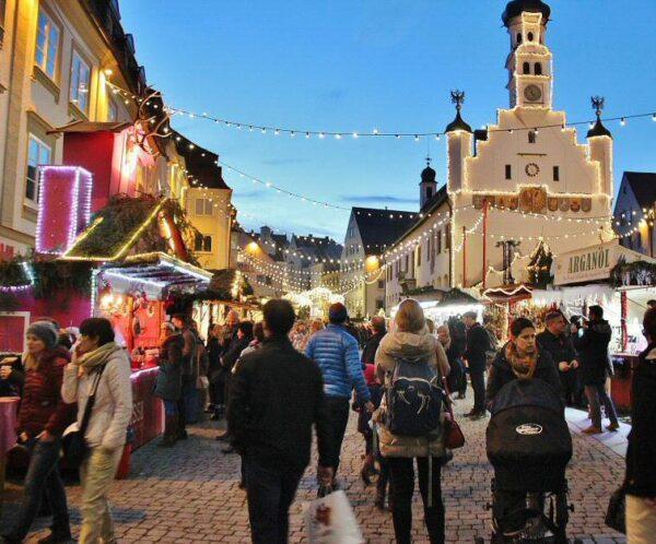Mercadillo navideño de Kempten en Baviera al sur de Alemania