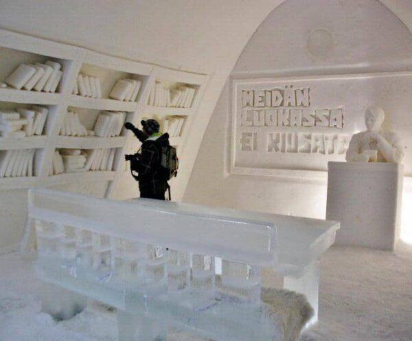 Hotel de hielo en Snow Castle de Kemi en Laponia Finlandia
