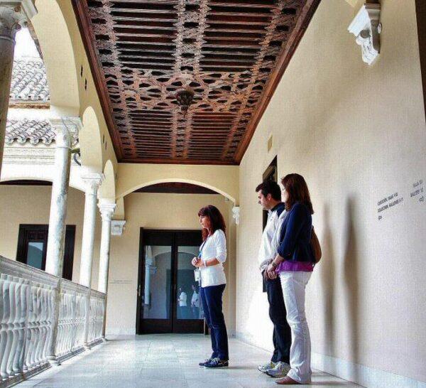Patio central del museo Picasso en el palacio de Buenavista de Málaga