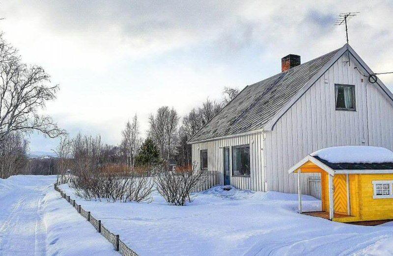 Paisajes nevados en Alta al norte de Noruega