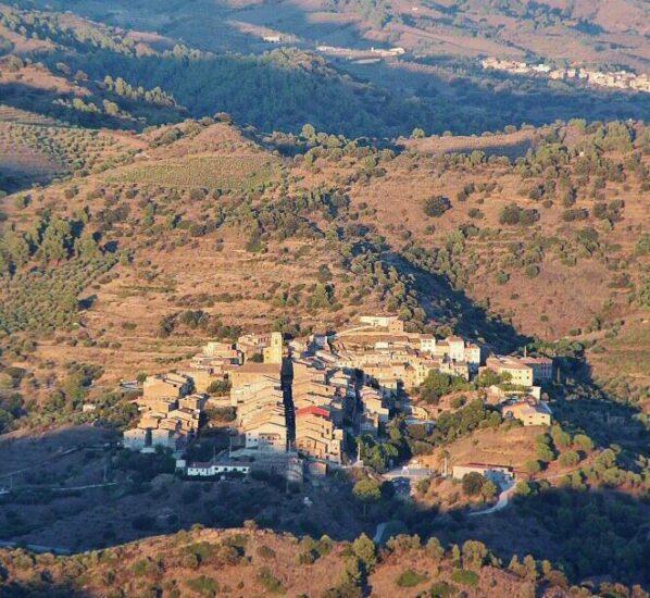 Vistas desde la ermita de Sant Pau en Priorat en Tarragona