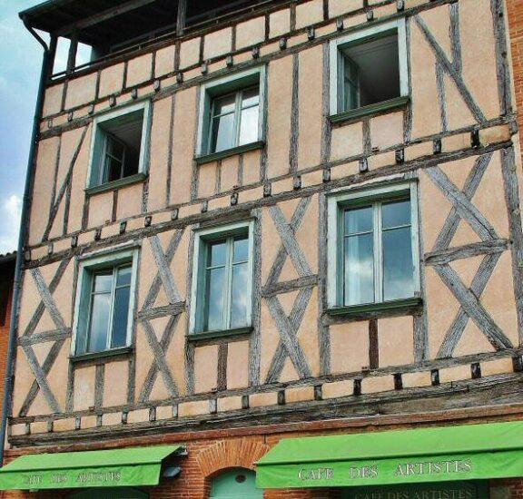 Casa entramada del centro histórico de Toulouse