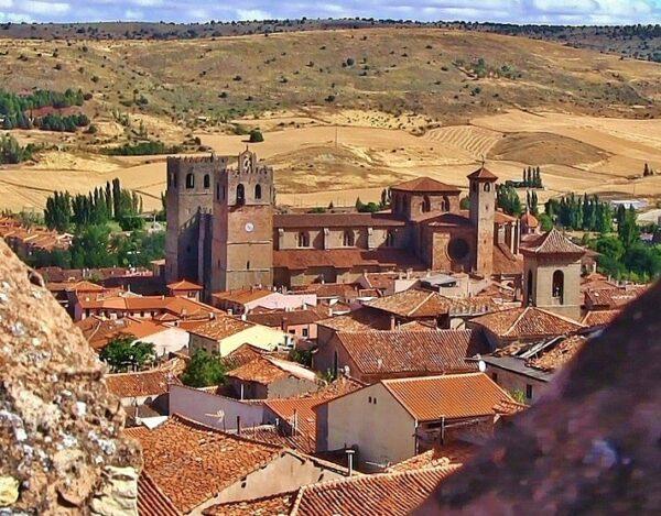 Vista panorámica de Sigüenza desde el castillo