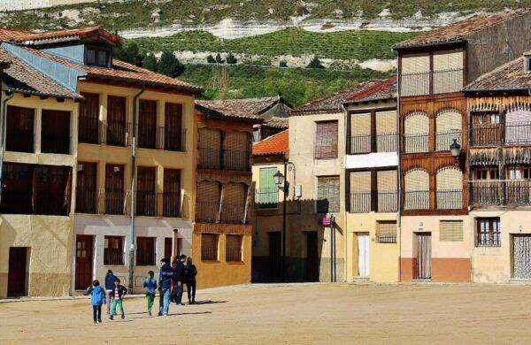 Plaza del Coso en Peñafiel en Valladolid