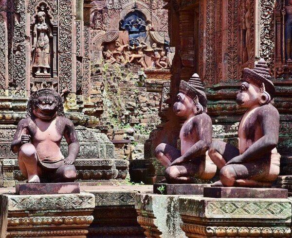 Templo de Banteay Srei en Angkor en Camboya