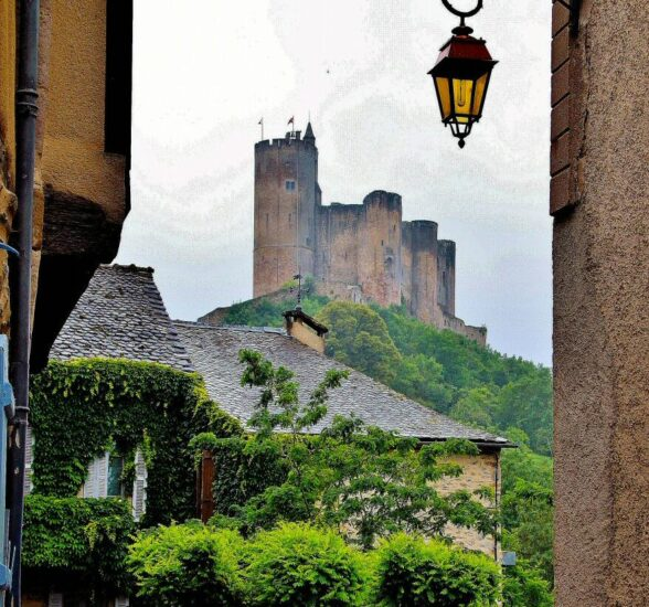 Castillo de Najac en Occitania en Francia