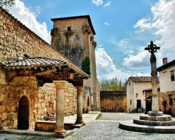 Torreón de Fernán González de Covarrubias en Burgos
