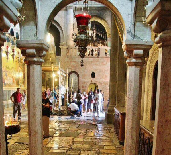 Rincón de la Basílica del Santo Sepulcro en Jerusalén
