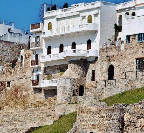Antigua fortificación portuguesa junto al puerto de Tánger