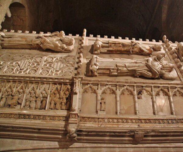 Tumbas Reales en la iglesia del monasterio de Poblet