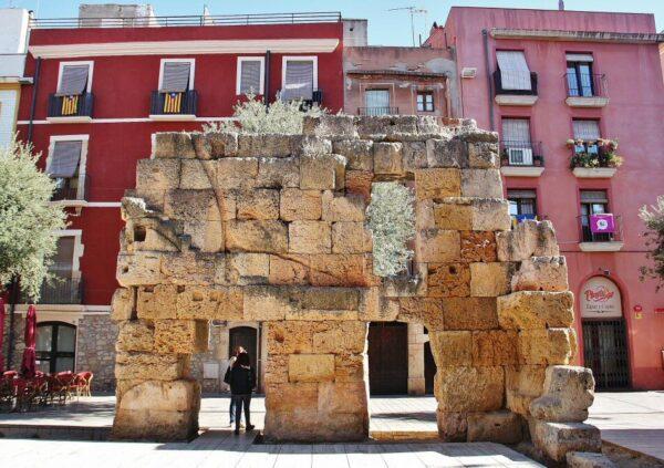 Restos del circo romano en la plaza del Forum de Tarragona