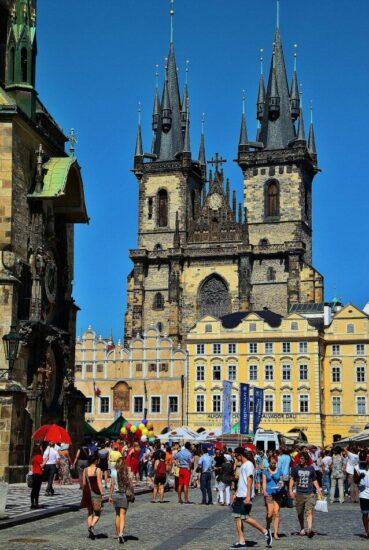 Plaza de la Ciudad Vieja en Praga en República Checa