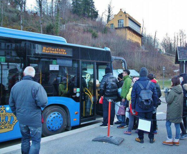 Autobús para subir al castillo de Neuschwanstein