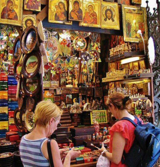 Souvenirs en la Lonja de Paños de Cracovia