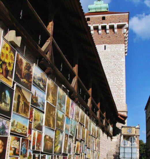Puerta Florian de la antigua muralla medieval de Cracovia