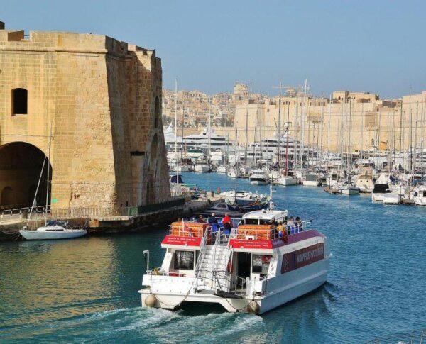 Rincón del puerto de La Valeta en Malta