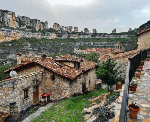 Orbaneja del Castillo en los Cañones del Ebro en Burgos
