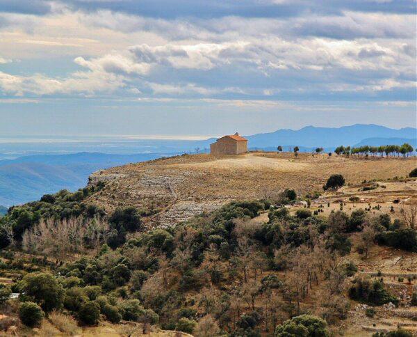 Emita de San Cristobal desde mirador del Singlet en Culla en Castellón