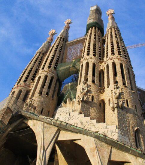 Fachada de la Pasión en la Sagrada Familia de Barcelona