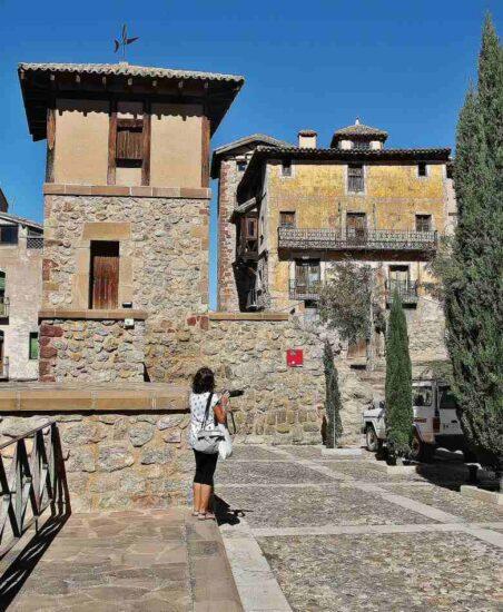 Plaza Puerta del Baño en Molina de Aragón en Guadalajara