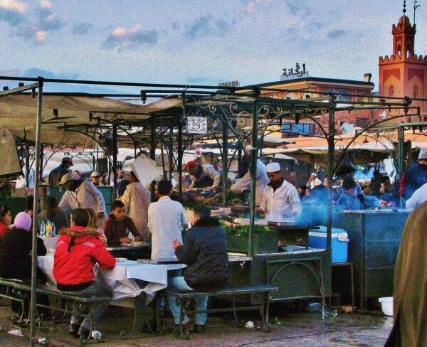 Chiringuitos en la plaza Jemaa El Fna de Marrakech