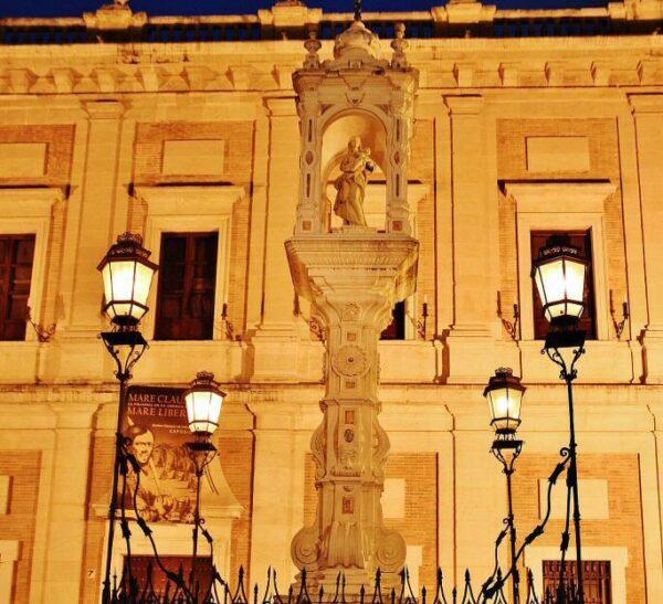 Plaza del Triunfo en Sevilla