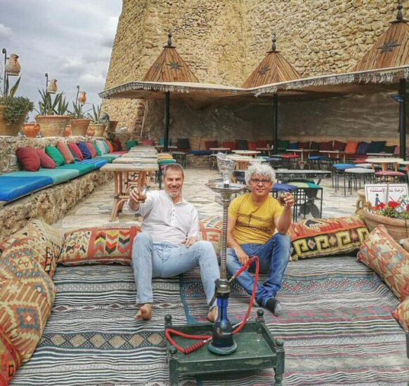 Terraza del Café Sidi Bouhdid en la medina de Hammamet