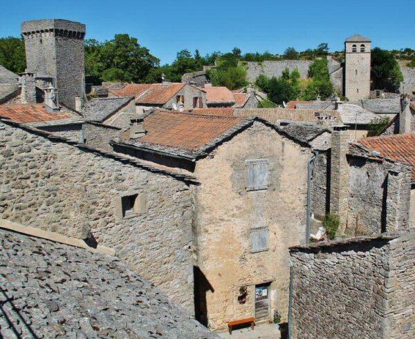Pueblo templario de La Couvertoirade al sur de Francia