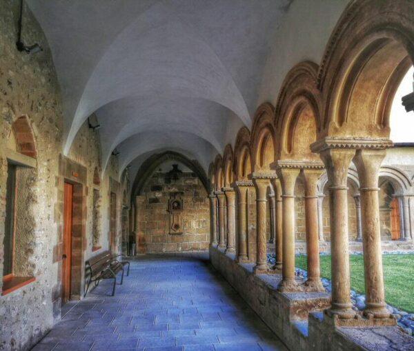 Claustro del monasterio de les Avellanes en Lleida