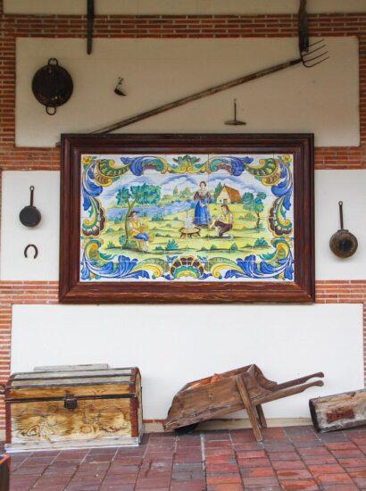 Patio castellano de Bodegas Mocén en Rueda en Valladolid