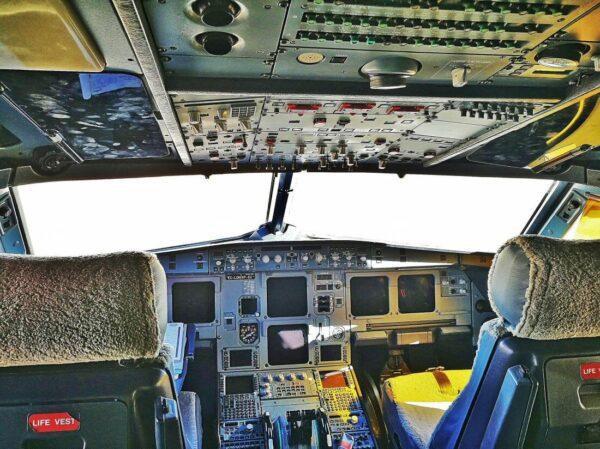 Cabina de un avión de Vueling